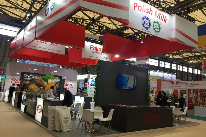 Wspólne stoisko Członków Polskiej Izby Mleka na targach SIAL China 2019